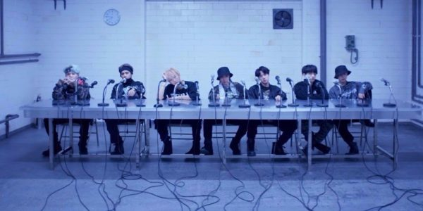 BTSMic Drop Steve Aoki Remix utilizado en el video publicitario