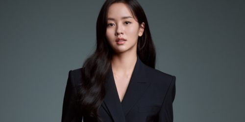 Kim So hyun firma contrato exclusivo con Culture Depot seduce en